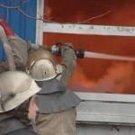 В субботу в Карпинске горел склад магазина стройматериалов