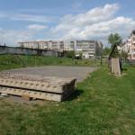 Администрация Карпинска пытается заставить жителей выносить мусор на детскую площадку