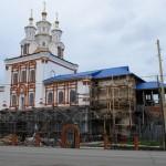 Богословский Введенский собор в Карпинске оштукатурили