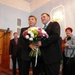 Мэр Волчанска выгнал журналистов со своей инаугурации (слайд-шоу)