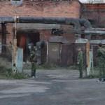 У школы Карпинска встали постовые