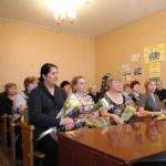 Карпинцам вручали удостоверения «Ветеран труда» и почетные знаки «Материнская доблесть»