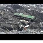 На Волчанском разрезе железнодорожный состав рухнул в карьер (видео)