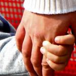 Приемным родителям увеличат денежные вознаграждения
