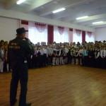 Пожарные «проводили» детей в школу