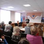 Муниципальных служащих Карпинска лишили гарантий.