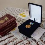 В Карпинском музее прошло торжественное вручение памятных медалей