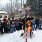 Ученики карпинской школы №6 проводили зиму (Видео)