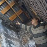 В Карпинске на женщину рухнул потолок