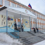В Карпинске с  1 сентября на зданиях образовательных учреждениях будут вывешены флаги России