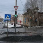 В Карпинске светофор на перекрестке улиц Серова-Мира несколько часов работал неправильно