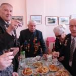Глава Карпинска поздравил участников Великой Отечественной войны (ВИДЕО)