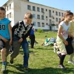 В карпинской школе №1 прошли веселые старты