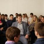 Карпинские школьники провели ток-шоу с участием главы города