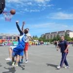 Карпинские газовики стали лучшими в турнире по уличному баскетболу
