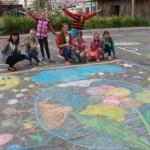 В Карпинске провели конкурс рисунков на асфальте