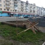 В центре Карпинска обустроят автомобильную стоянку и тротуар