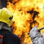 В доме в центре Карпинска горели сараи