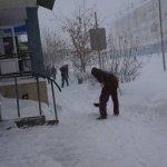 В Карпинске на очистку тротуаров до конца года предусмотрено 200 тысяч рублей