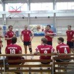 Команды Карпинска победили в турнире по волейболу