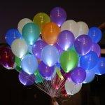 Флешмоб влюбленных: без небесных фонариков, но с воздушными шариками