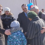 «Селфи» на фоне новой жизни. В Карпинске сдали 99-квартирный дом
