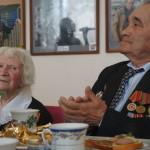 В дни празднования юбилея Победы карпинские ветераны получают медали и подарки