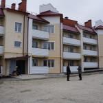 """51 семья переселенцев из ветхого и аварийного жилья переезжает в новый дом. Фото: Юлия Пивоварова """"ВК"""""""