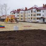 После речей, ключей и слез. За месяц в Карпинске сдали три новых дома
