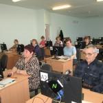 Пенсионеров и инвалидов Карпинска будут учить на компьютерных курсах