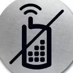 """Неожиданный эффект: сотовой связи нет из-за """"глушилок"""" во время ЕГЭ?"""