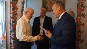 Юбиляру принесли поздравление от президента страны и от города