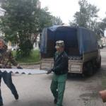 В Карпинске после урагана восстанавливают крыши и подсчитывают ущерб