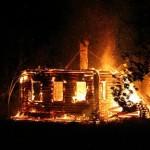 В карпинском поселке горел дом