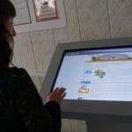 День знаний в Карпинске: цветы, шары и компьютеры