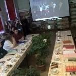 Гости обсуждали уведенное на экране и хвалили семьи