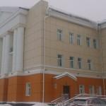 В Карпинской больнице в предоперационной упала часть потолочного покрытия