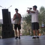 На сцене выступали как сольные артисты, так и групповые