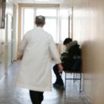 В Карпинске дефицит врачей в стоматологии - 75%. Депутат Юхно:
