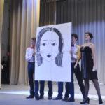 Участница Анастасия буквально за 5 минут нарисовала свой автопортрет
