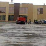 Городскую площадь прибрали и помыли перед Первомаем