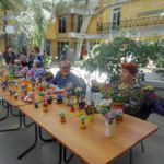 Перед концертом в зимнем саду выставку поделок развернули члены городского общества инвалидов