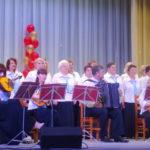 Концерт начался мощной и красивой песней хора