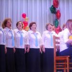 Участницы хора пели от души - как и требовал руководитель!