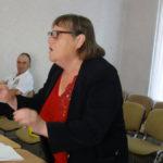 Дума Карпинска решила – торговать или нет бабушкам на улице. Видео