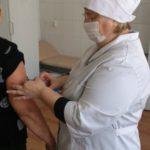 В Карпинске растет число пациентов с простудой. Бесплатной вакцины для школьников нет