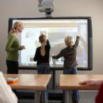 Карпинской школе купят интерактивный комплекс, техникуму - спортивное оборудование