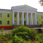 Карпинская детская школа искусств может переехать в здание бывшего ДКУ