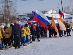 Команда «Спутник» выехала на поле с оранжевыми флагами «Полиметалла»