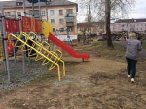 Жители говорили, что эта конструкция не закреплена должным образом.